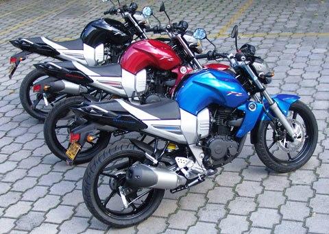 Yamaha FZ 16 Azul/Roja/Negra