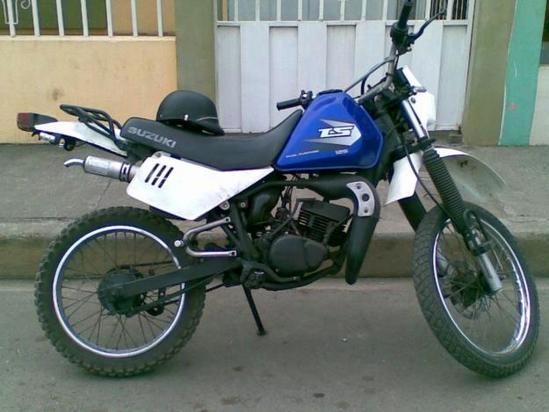 Suzuki TS125 foto