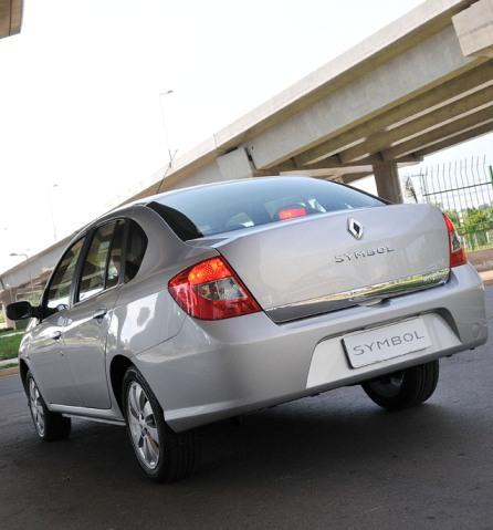 Renault Symbol trasera