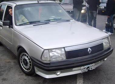 Renault 18 plata