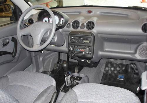 Hyundai Santro interior