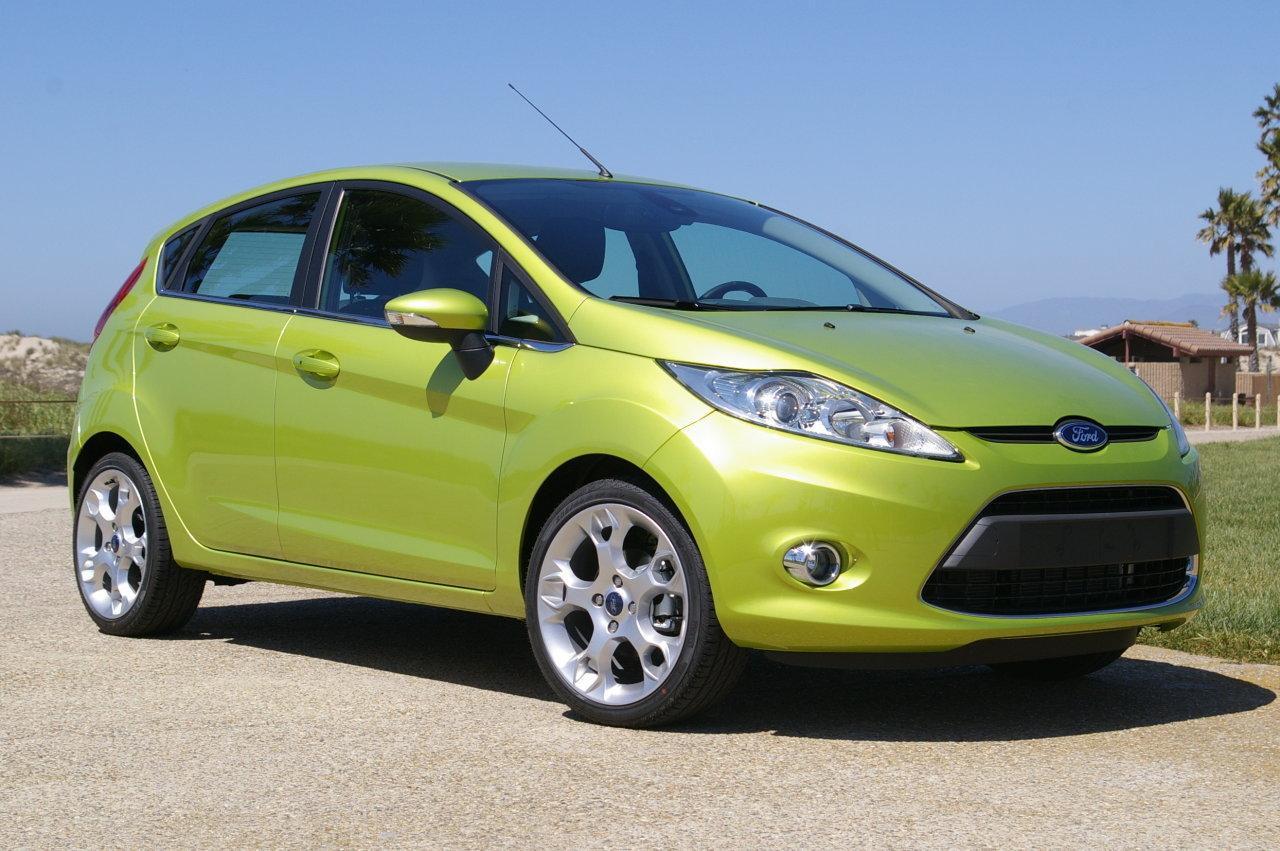 Ford fiesta verde lima