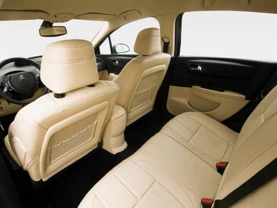 Citroën C4 interior 05