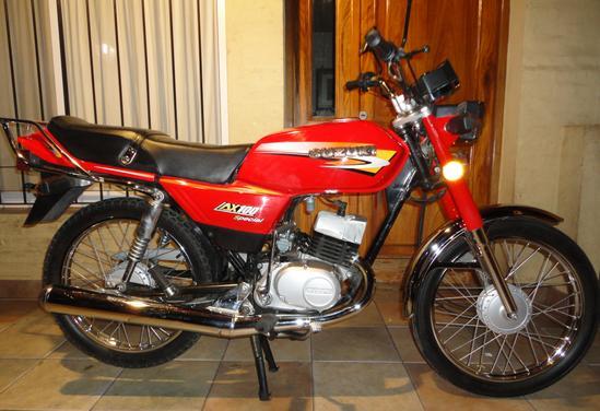 Suzuki AX 100 foto