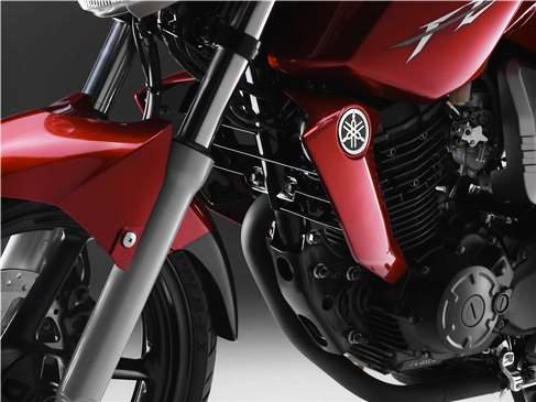 Yamaha FZ 16 detalle