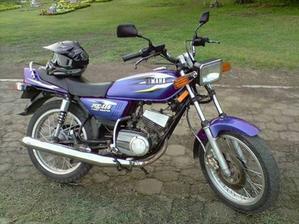 LA MOTO RX 115 UNA DE LAS MAS VENDIDAS Y APETECIDAS POR SU VELOCIDAD.