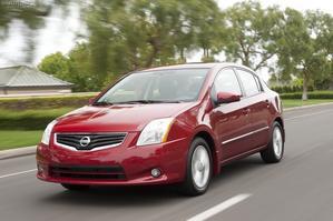 Nissan Sentra 2011 en marcha