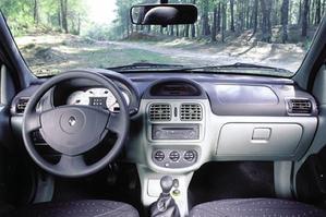Renault Symbol interior sedan