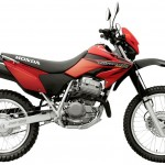 Honda XR fondo blanco
