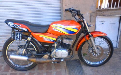 Suzuki AX 115 foto