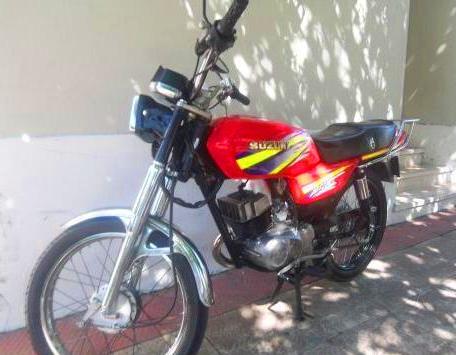 Suzuki AX 115 roja