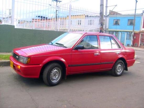 Mazda 323 Rojo perfil