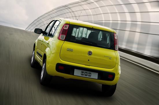 Fiat Uno Nuevo vista trasera