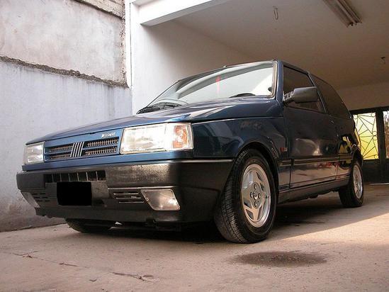 Fiat Uno perteneciente a la segunda generación 1990-1995