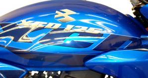 Bajaj XCD 125 Azul
