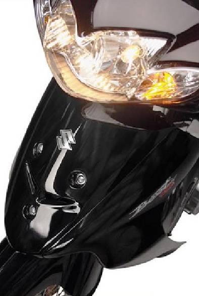 Suzuki Best 125 babero y farola