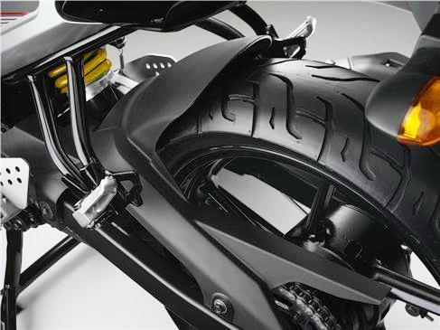 Yamaha Fazer 16 detalle llanta