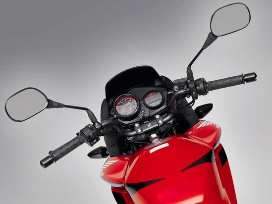 Honda CBF 125 manillar elevado