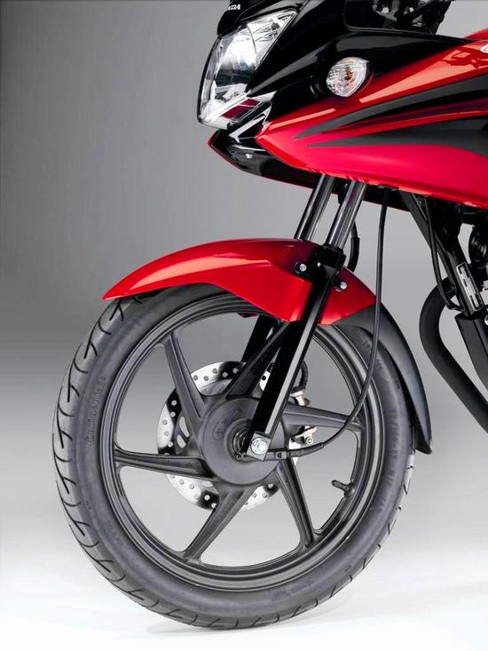 Honda CBF 125 aerodinamico semi-carenado