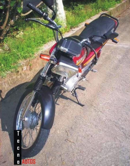 Suzuki AX 115 frontal