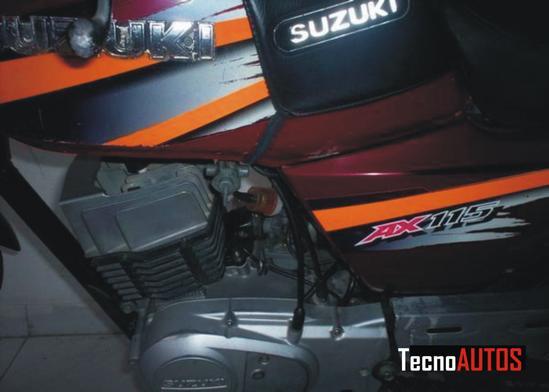 Suzuki AX 115 detalle