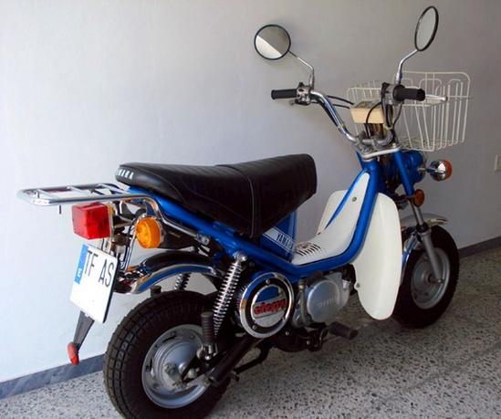 Yamaha Chappy trasera