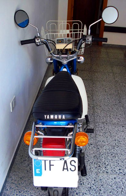 Yamaha Chappy vista trasera