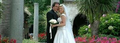 Por Facebook se entera de la boda de su marido con otra