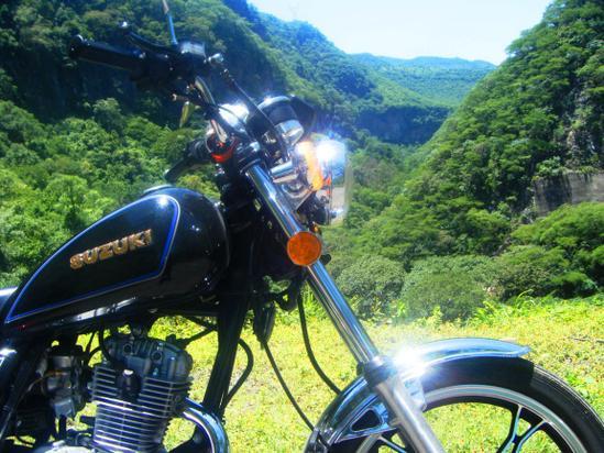 Suzuki GN 125 detalle