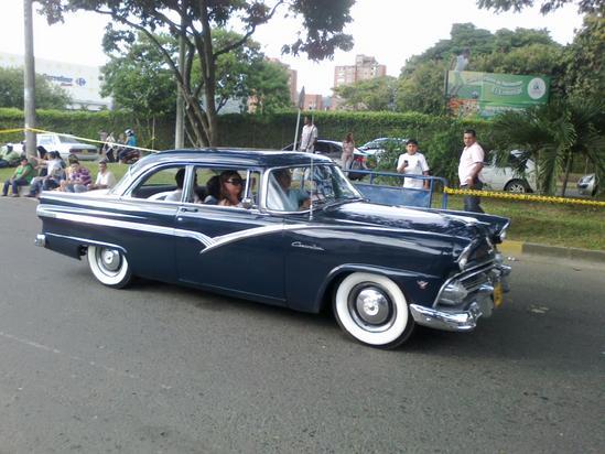 Feria de cali desfile de carros imagenes