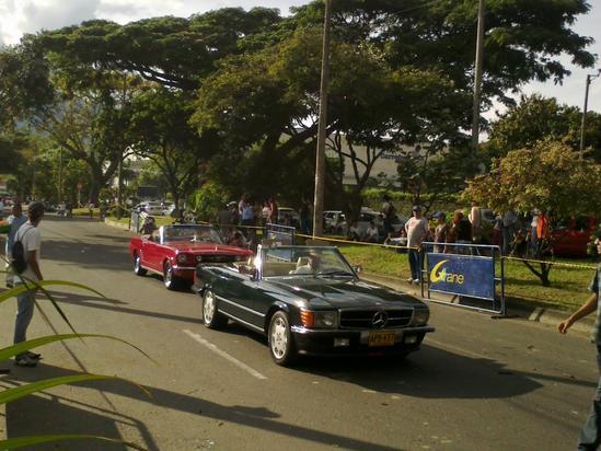 Desfile de carros antiguos: feria de cali, foto3