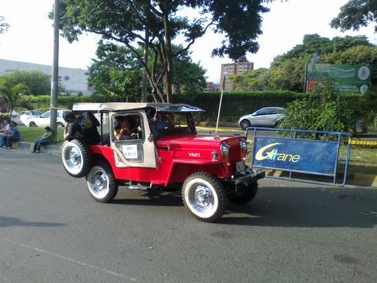 un jeepao lucido por la ciudad