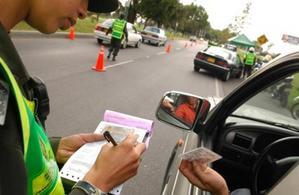El comparendo es una sancion al incumplimiento de las normas de transito