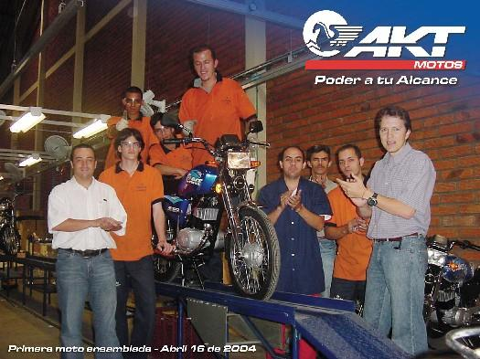 Primera Moto ensamblada en Abril del 2004