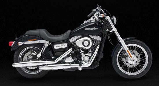 Harley Davidson Super Glide Custom, negro
