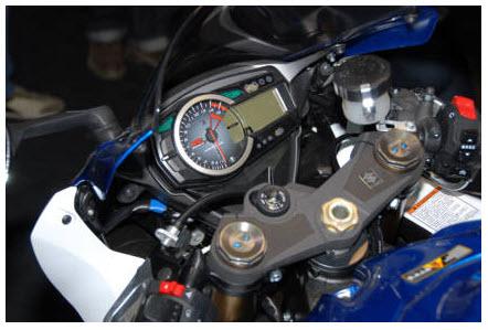 Suzuki_ GSX-R1000