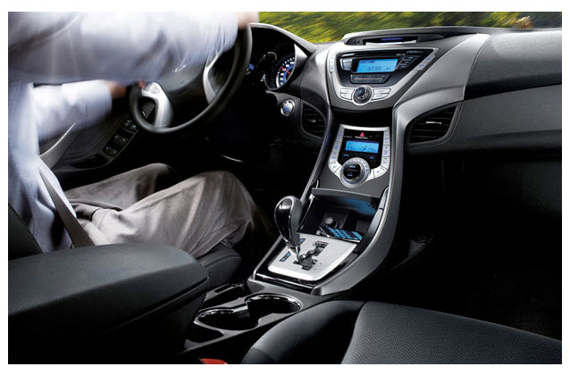 hyundai i35 elantra 2012 2013 interior precio colombia. Black Bedroom Furniture Sets. Home Design Ideas