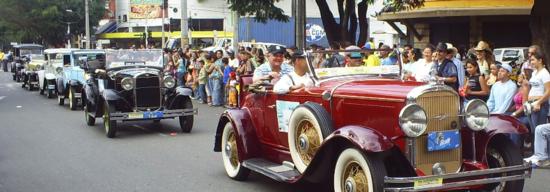 programacion de evento desfile carros antiguos feria de cali 2011