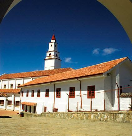Sitios turisticos - Semana santa en bogotá capilla de Monserrate 2014