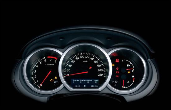 Suzuki Grand Vitara 5 puertas, tablero de instrumentos