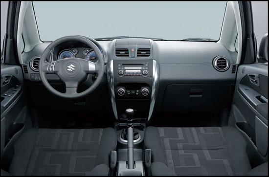 Suzuki SX4, diseno interior