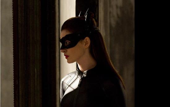 Anne Hathaway es gatubela en batman