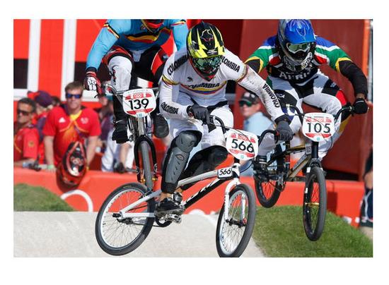 Carlos Mario Oquendo Gana medalla de bronce