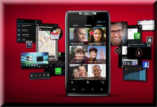 Motorola RAZR MAXX, redes sociales