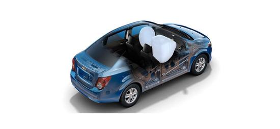 Chevrolet Sonic Sedán 2013, airbags