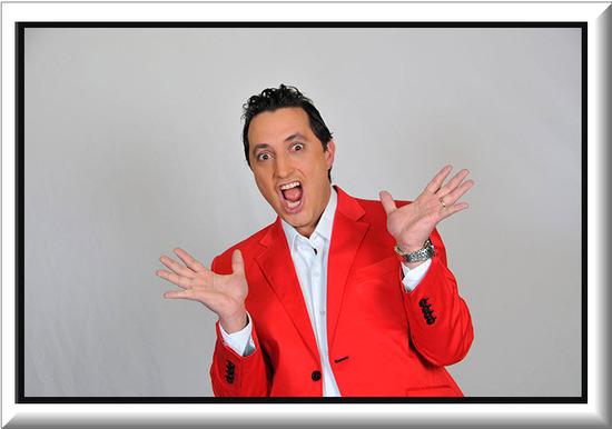 Andres Lopez presentador del Festival Internacional del Humor
