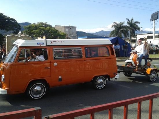 carros antiguos feria de cali 2014