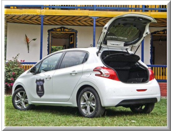 Peugeot 208 Allure baul
