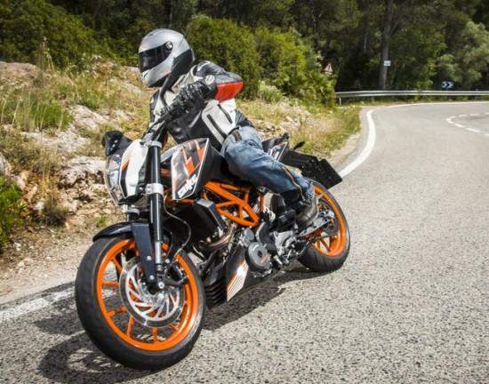 Motocicleta ktm 390 Duke 2015