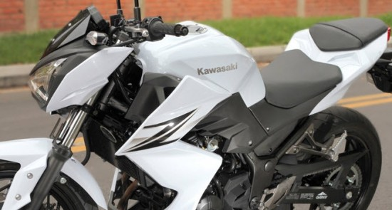 moto sport kawasaki Z250